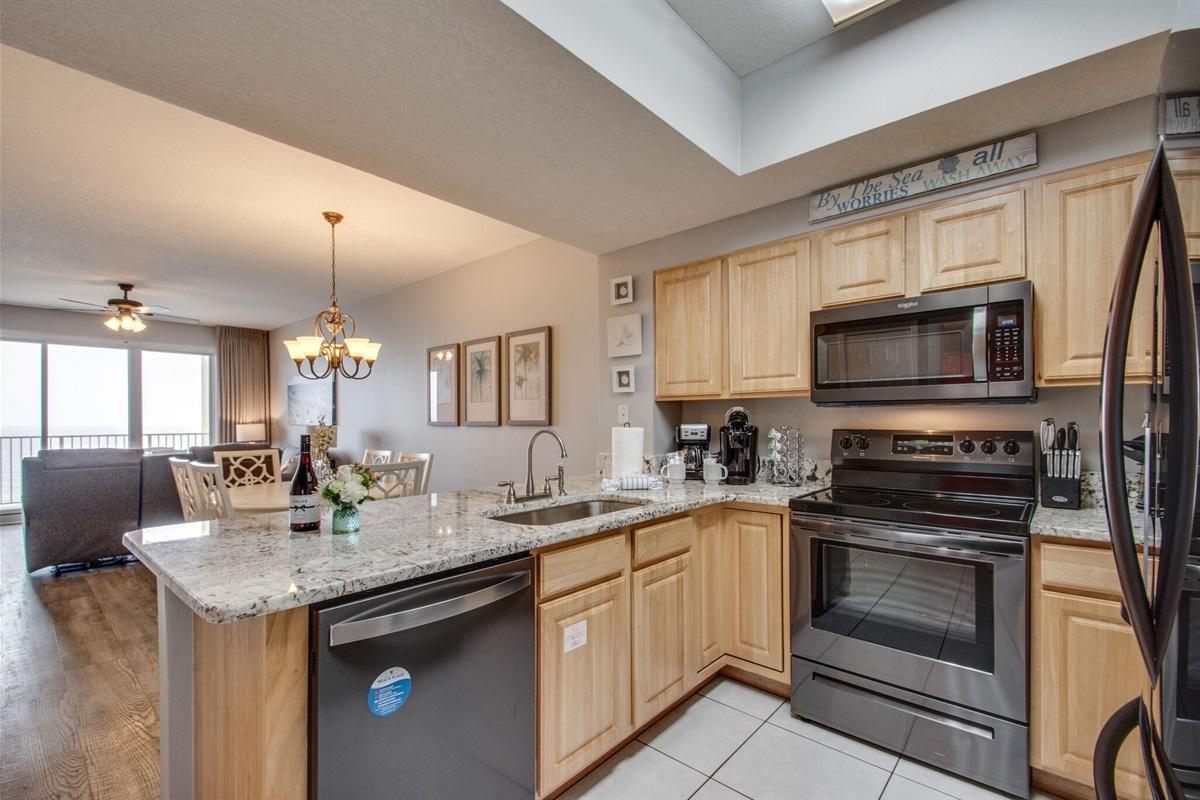 Updated kitchen w/new countertops & appliances