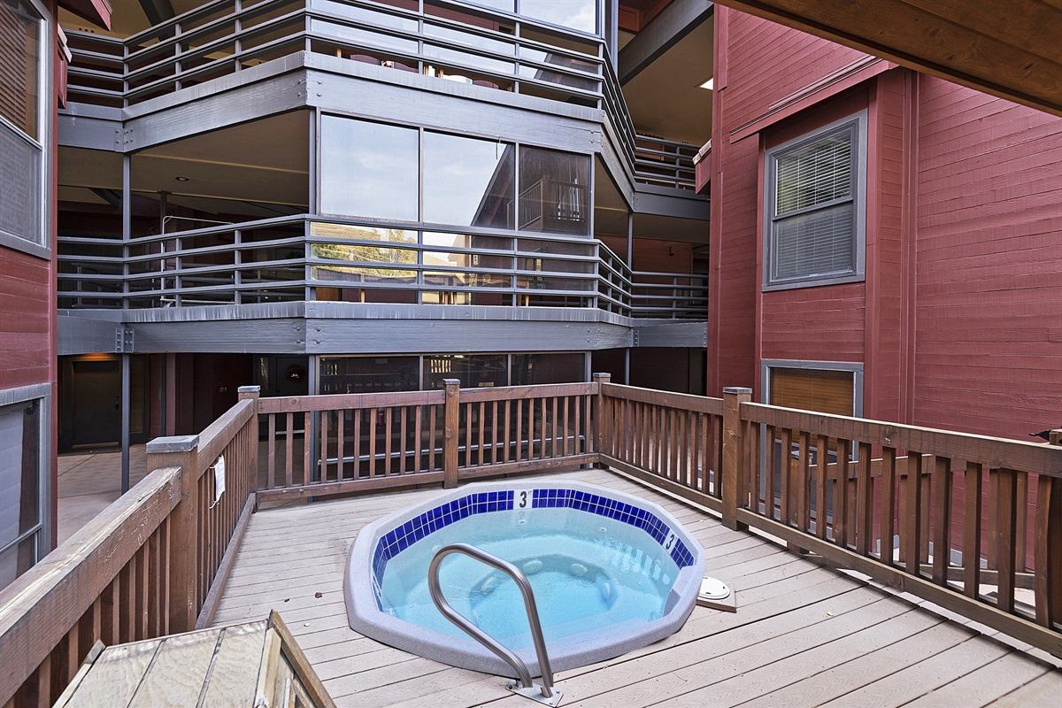 Hot-tubs for SilverCliff visitors