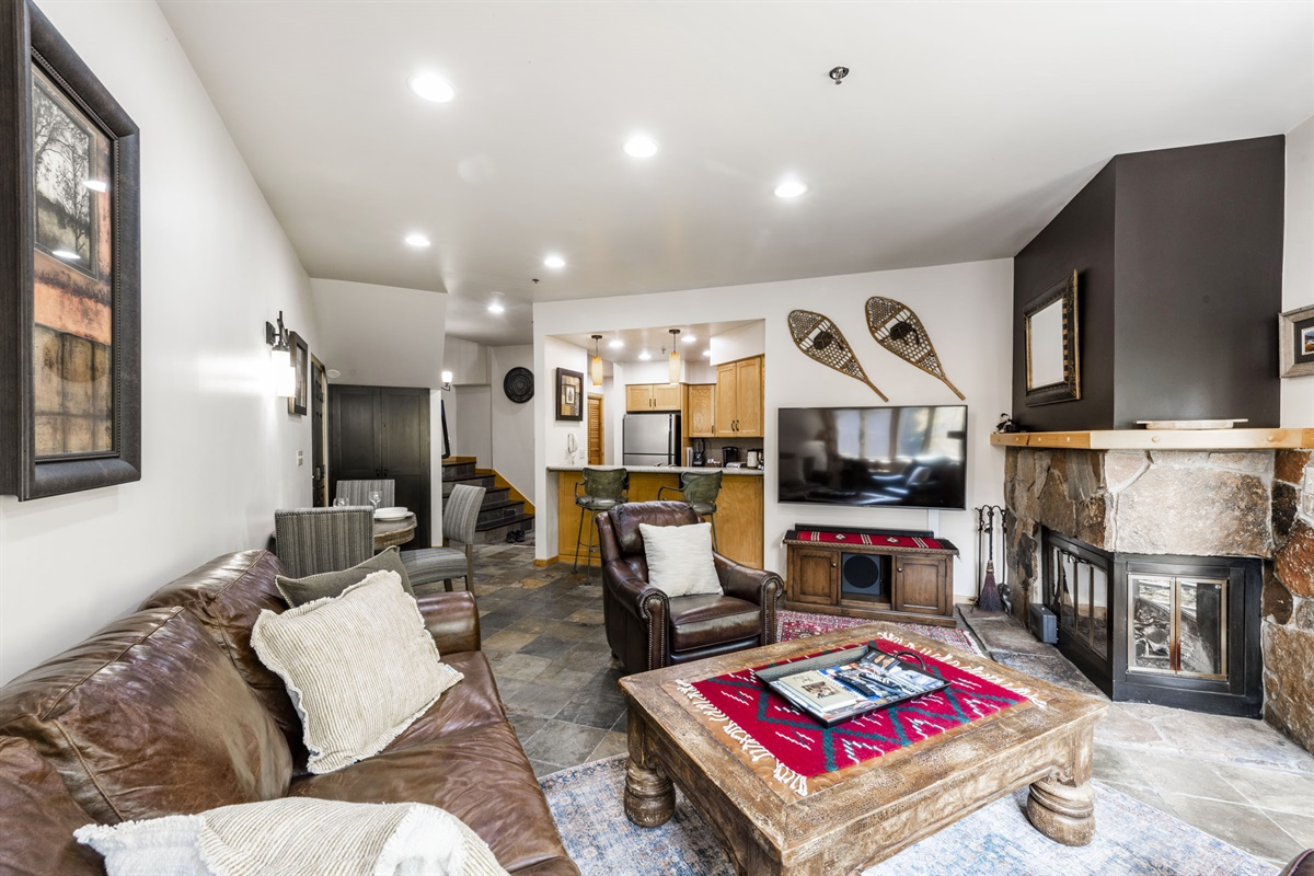 Large open plan condo. Cozy fire, central kitchen, space to spread out.