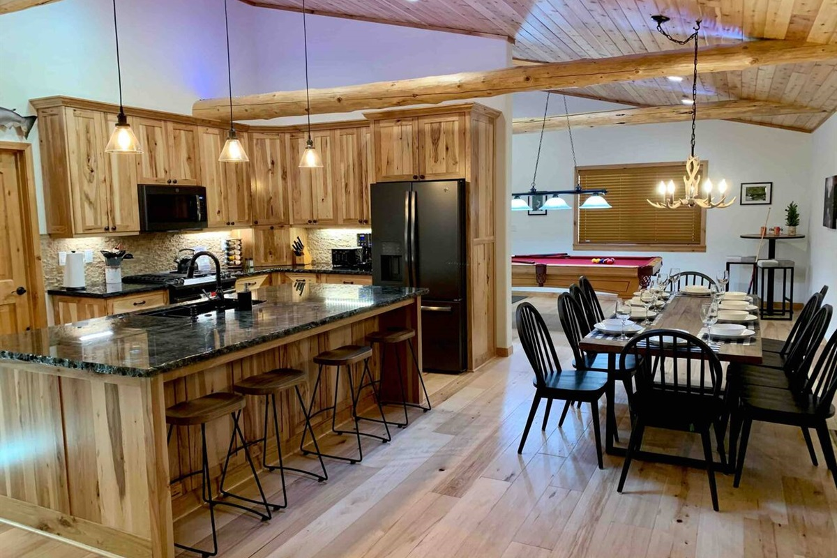 Kitchen and farmhouse dining for 10.