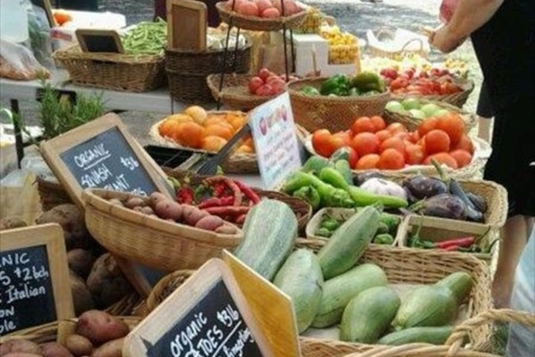 Enjoy our fabulous farmer's market every Wednesday from 3-6pm.