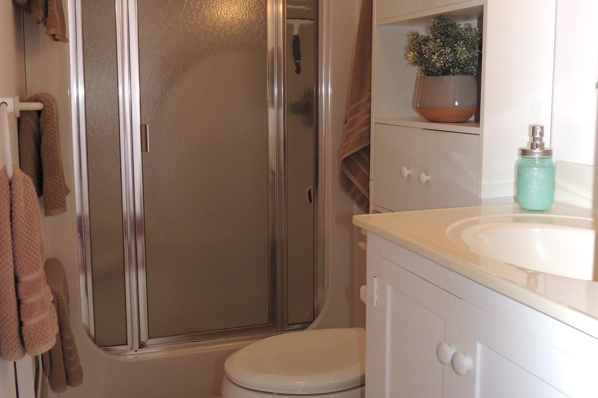 2nd floor bathroom w/shower