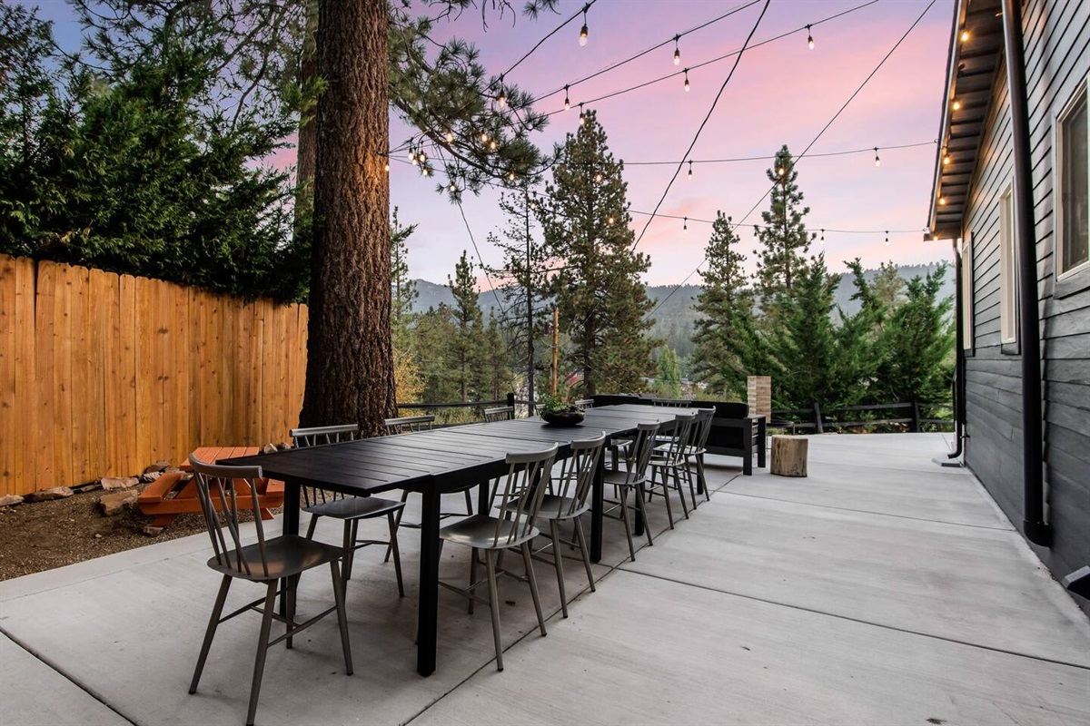 Fox Haus is perfect for romantic getaways, family gatherings, and reconnecting with friends.