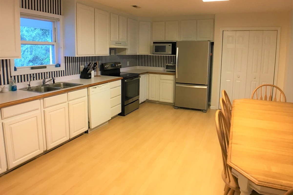 Nicely appointed Open Kitchen