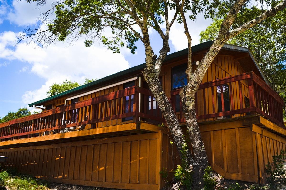 Upper cabin (two bedrooms, bathroom, laundry room)