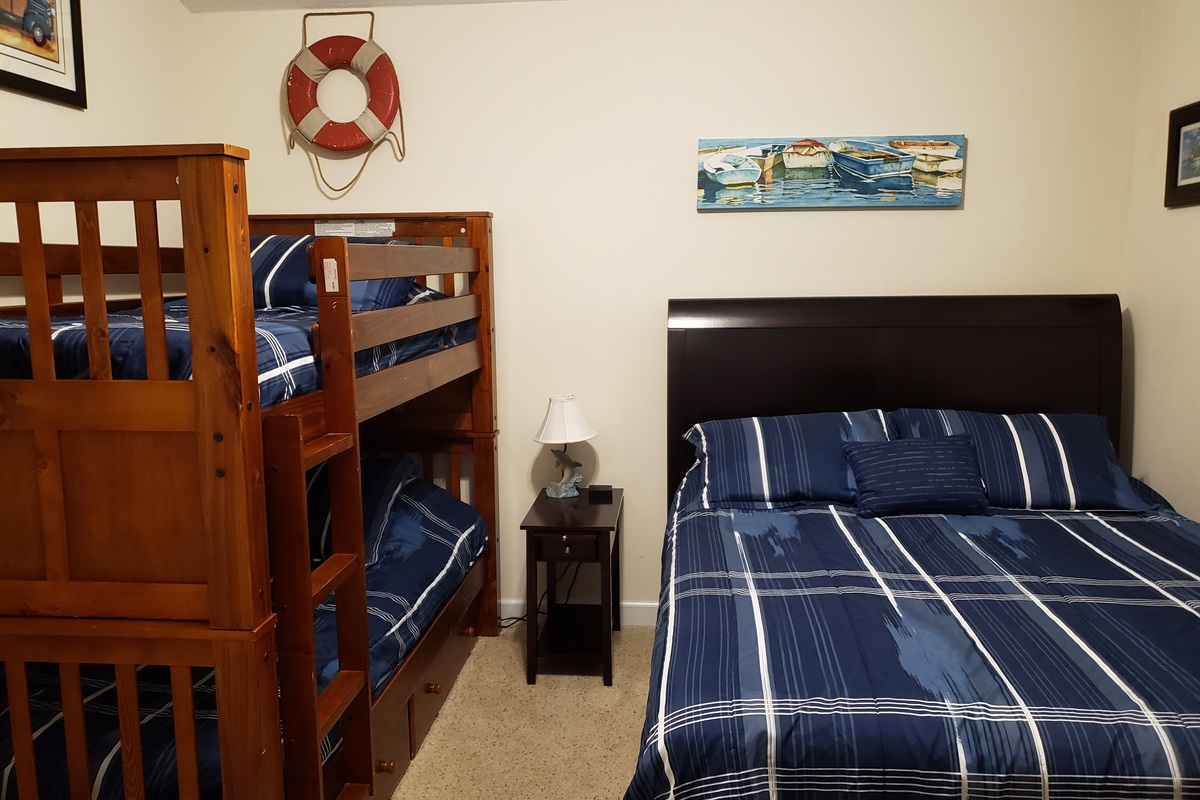 Upstairs Bedroom 1 Queen with 1 Bunk bed with 2 twin mattresses