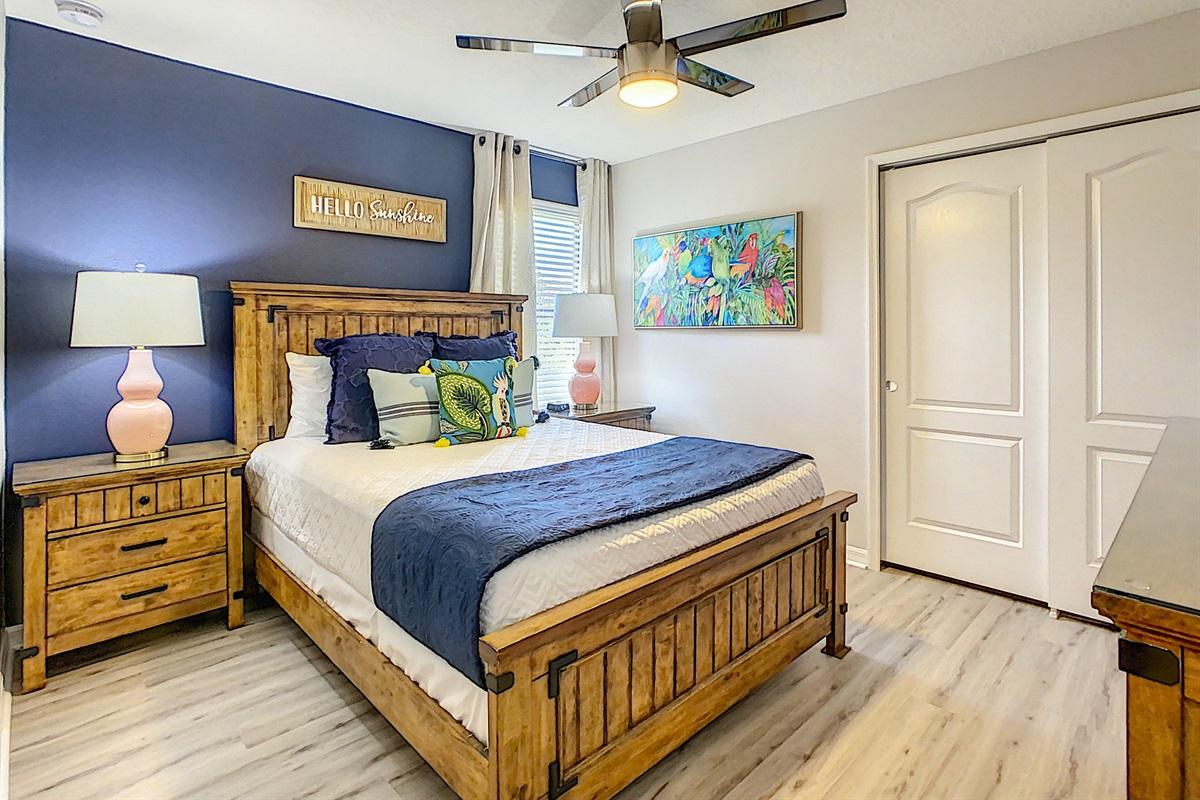 Bedroom 6 - 2nd Floor - Queen