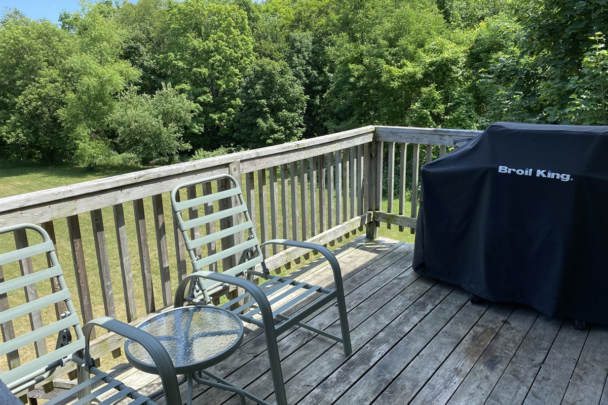 """""""Deer"""" - Rear balcony with Broil King BBQ overlooking backyard and forest"""
