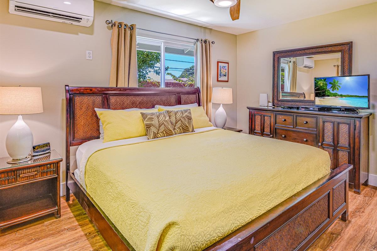 """Bedroom #2 King bed, 32"""" HD TV, Ultra-quiet AC, luxury ceiling fan"""