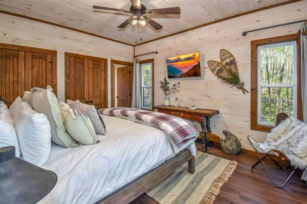 Skier's Retreat Master Suite with king bed on the main level.