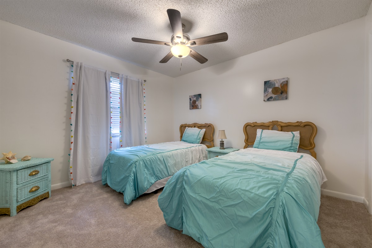 3rd Bedroom with Twin beds, perfect for the kids!