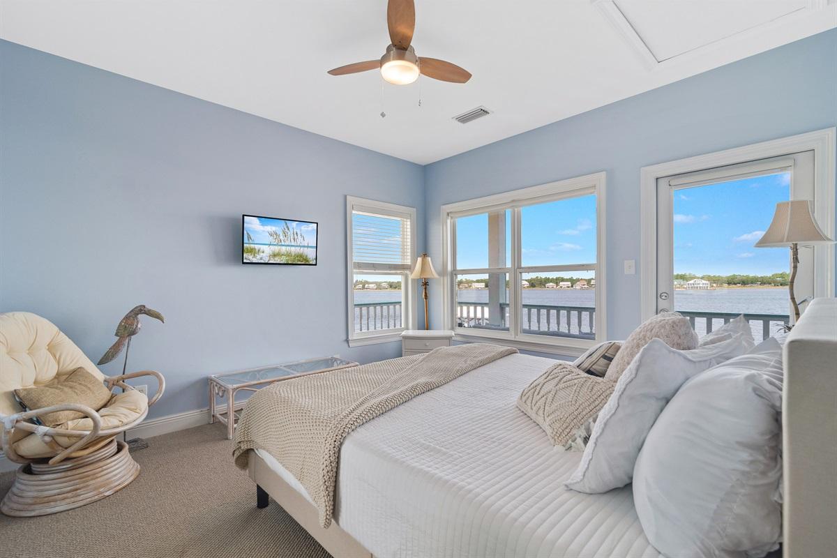 Flat Screen TV, Lagoon Views, & Balcony Access