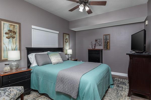 """Guest Bedroom w/40"""" TV"""