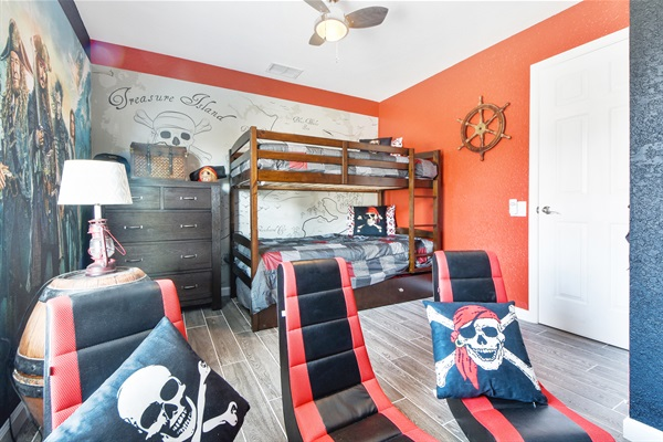 Pirates of the Caribbean Room - 1 Bunk, 1 Trundle