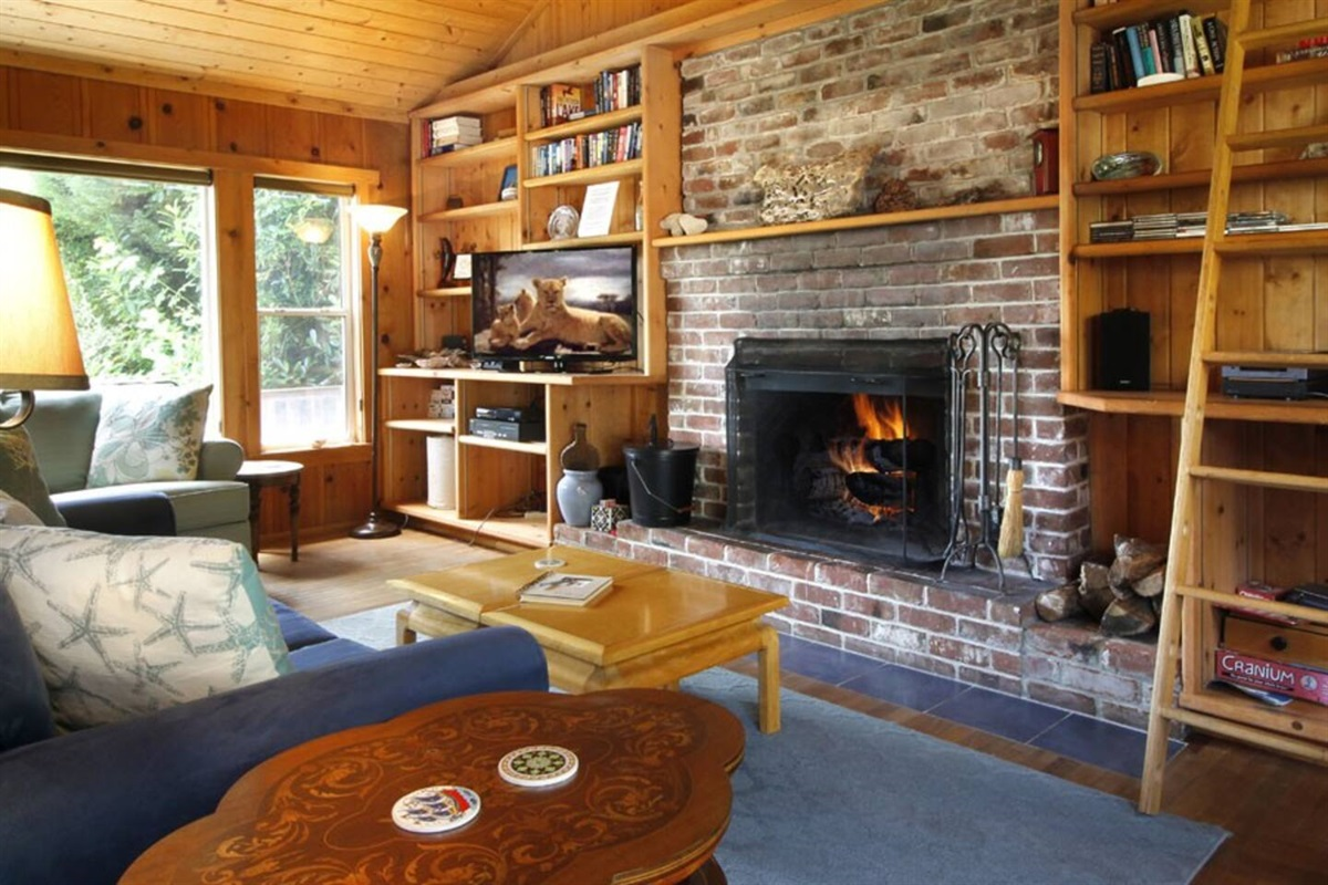 River View Cottage Living Room to Wood Burning Fireplace