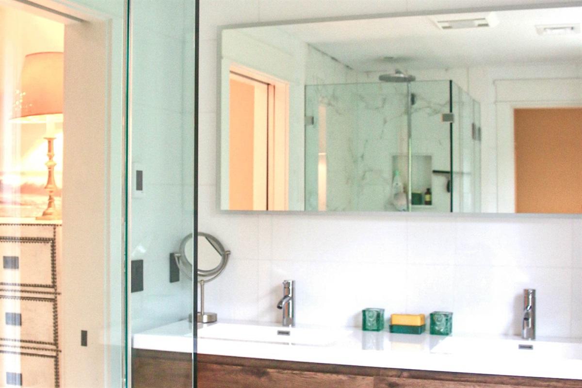 2nd Floor Master Suite Bathroom #1