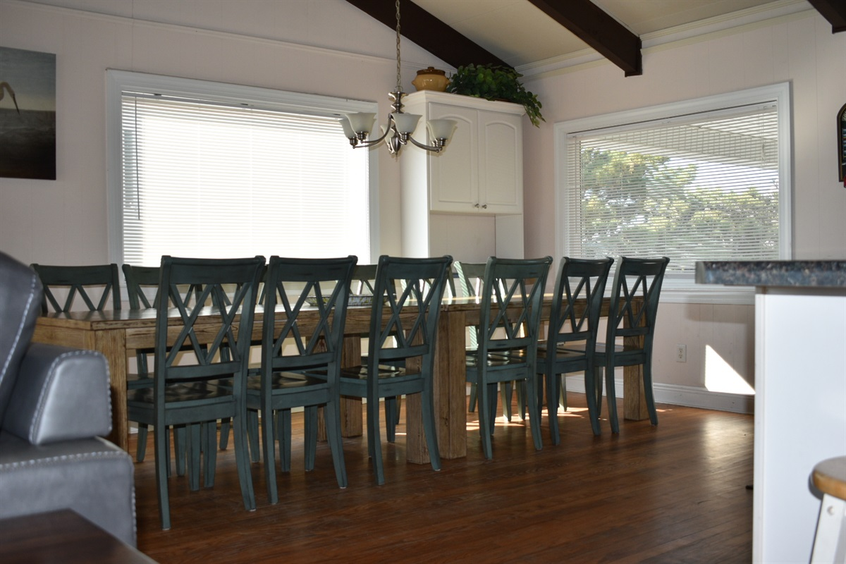 Table seats qq