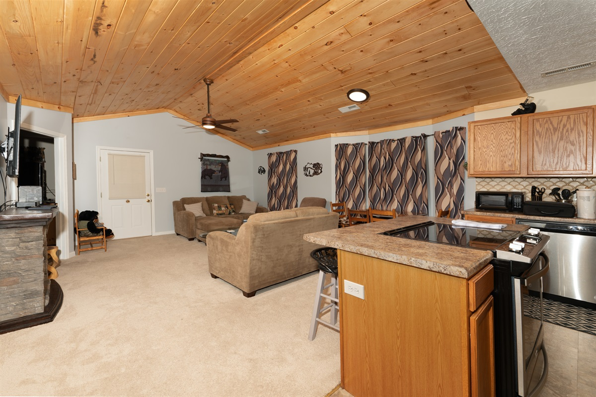 Enough space for 4 to relax and enjoy your Smoky Mountain vacation