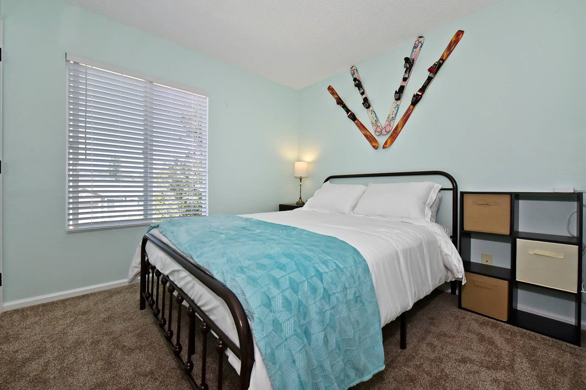 This ski themed room will get you in the mood to hit the slopes!