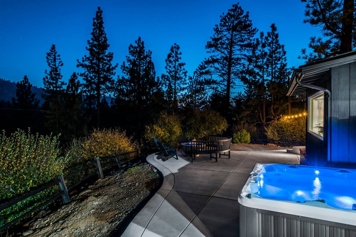 The hot tub and firepit are perfect places for stargazing.