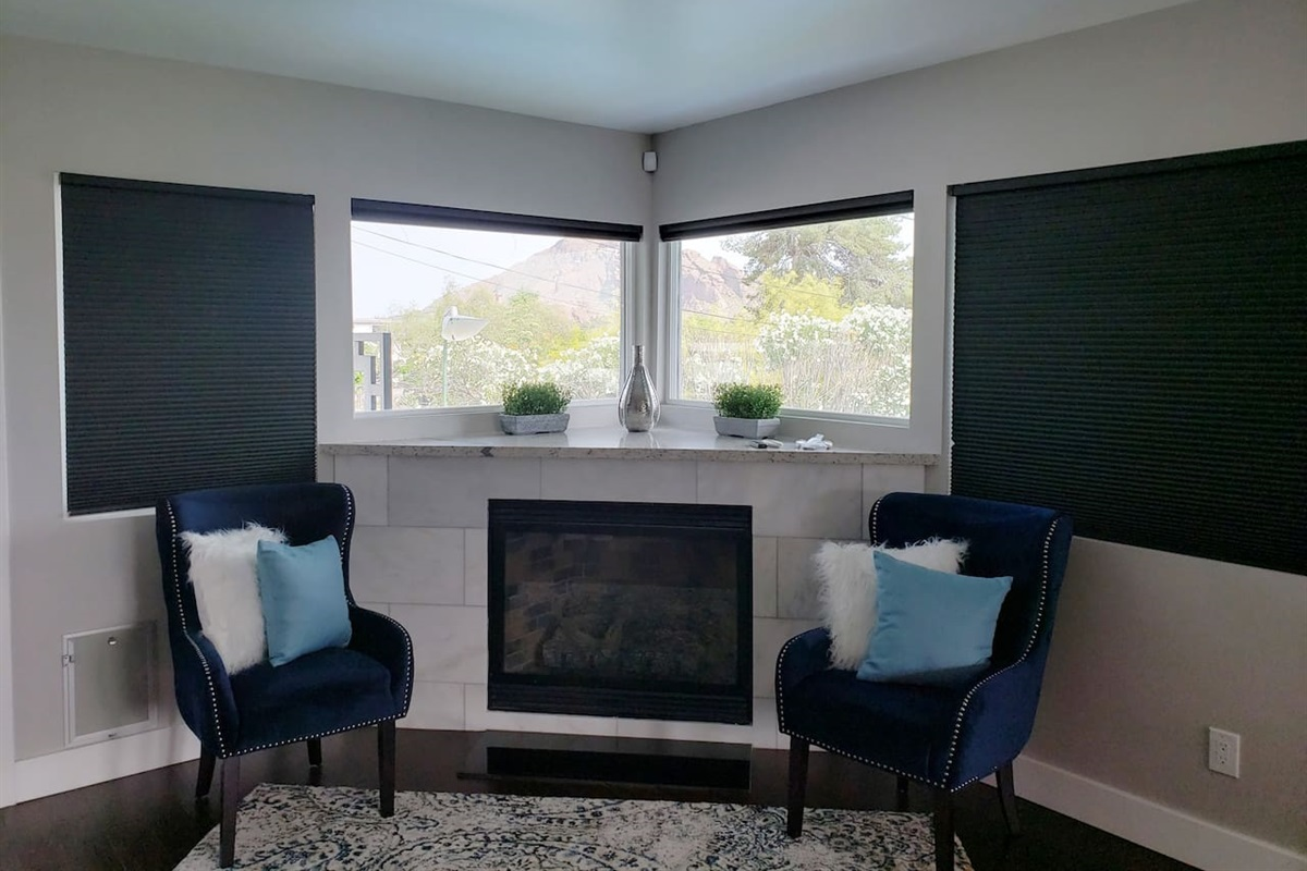 Master Sitting area, Great views of Camelback Mountain!