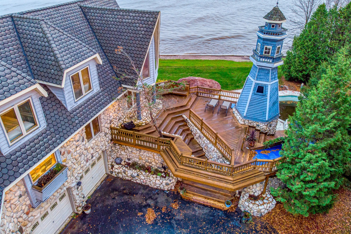 "Welcome to ""The Lighthouse"" a Waterfront Adventure on the Door Steps of Door County!"
