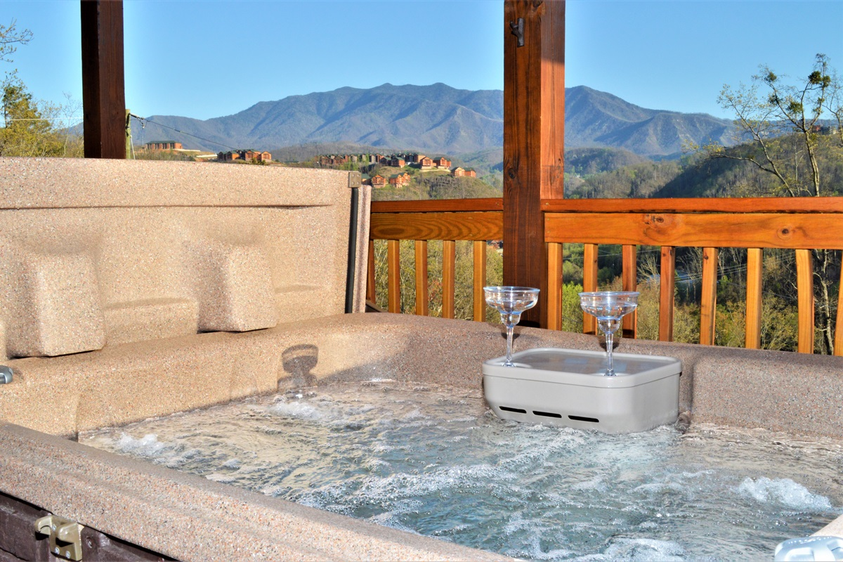 LED Hot Tub with spectacular Mt LeConte view!