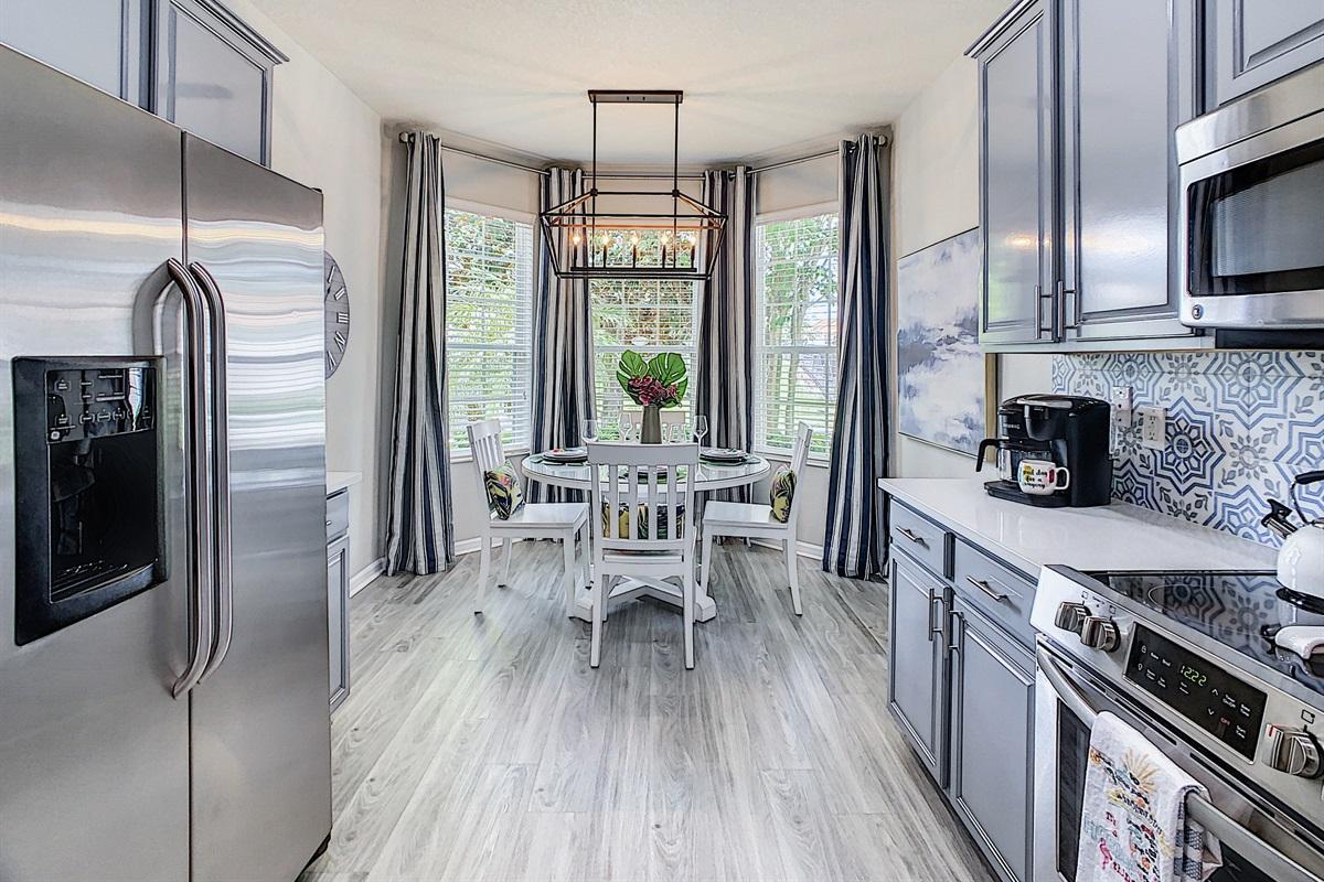 Full Modern Kitchen-Quartz Countertops And Stainless Steel Appliances
