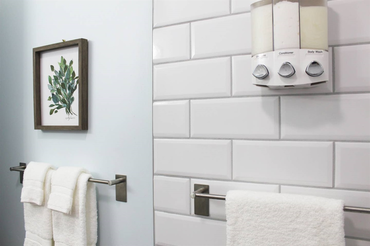 Both bathrooms have organic body wash, sulfate-free shampoo, and conditioner.