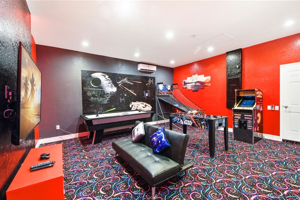Your Own Star Wars Game Room -- IN The House!