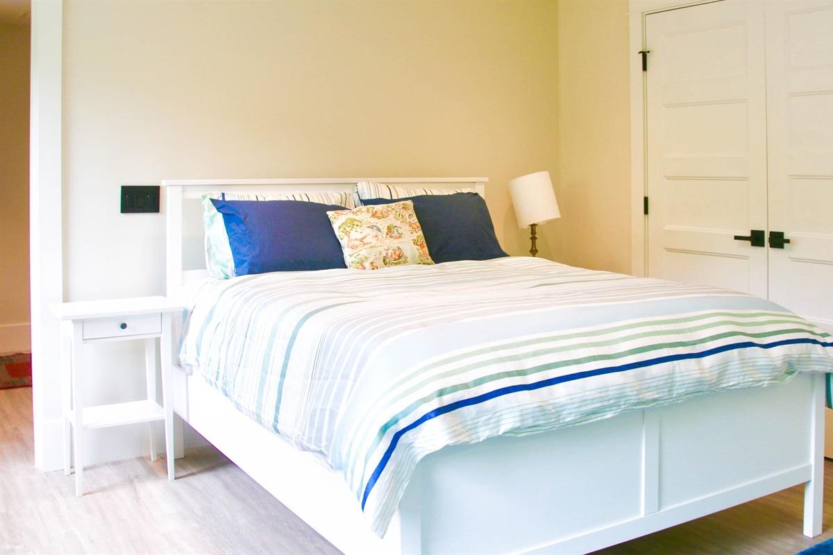 Bedroom #3 Queen on NW side