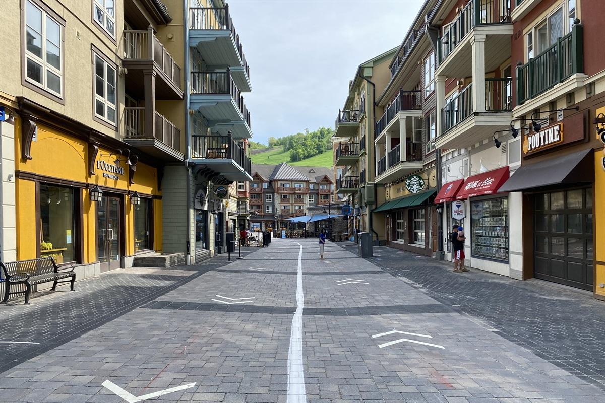 2 min drive to Blue Mountain Village/Resort