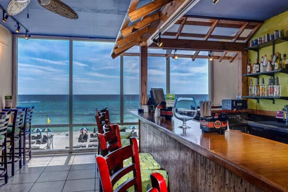 Bar/restaurant onsite