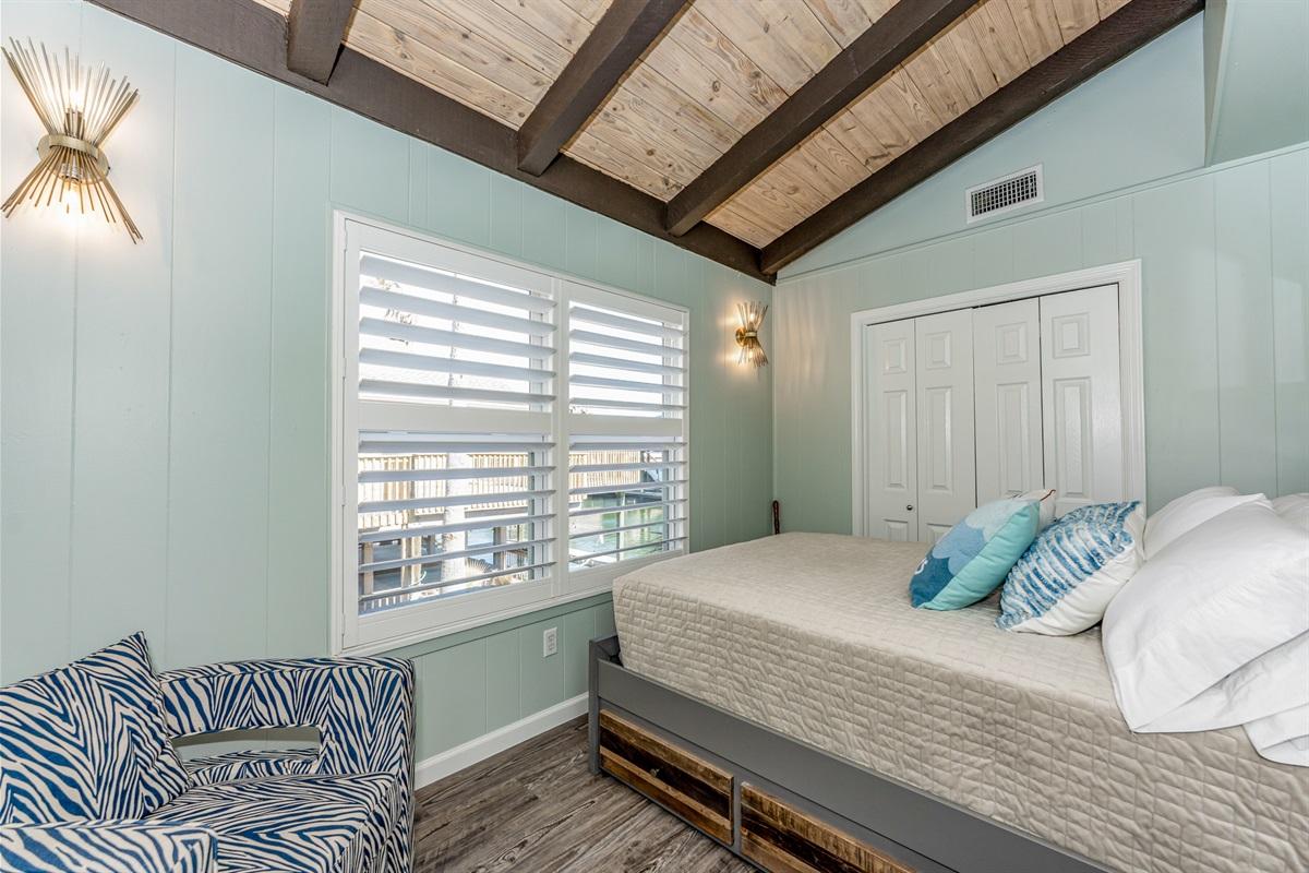 2nd bedroom main level-trundle under full