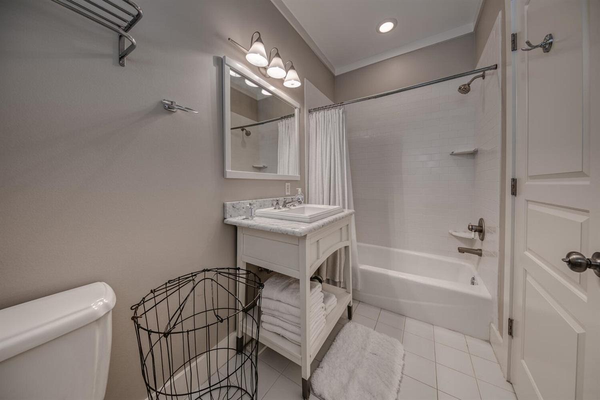 Twin Bathroom