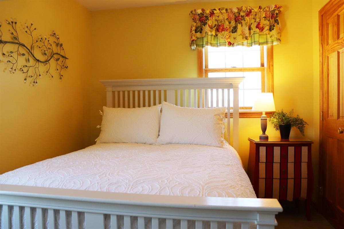 1st Floor Queen Bedroom.