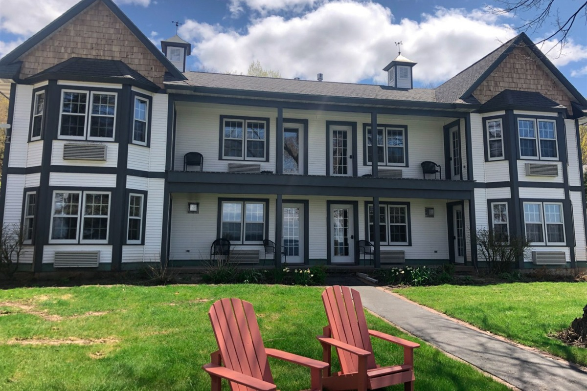 The Little Harbor was a former waterfront Bed & Breakfast but converted into massive rental for couples getaways, family reunions, corporate retreats, and large gatherings.