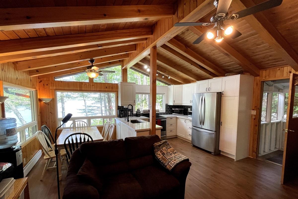 Cottage 3 dining/kitchen