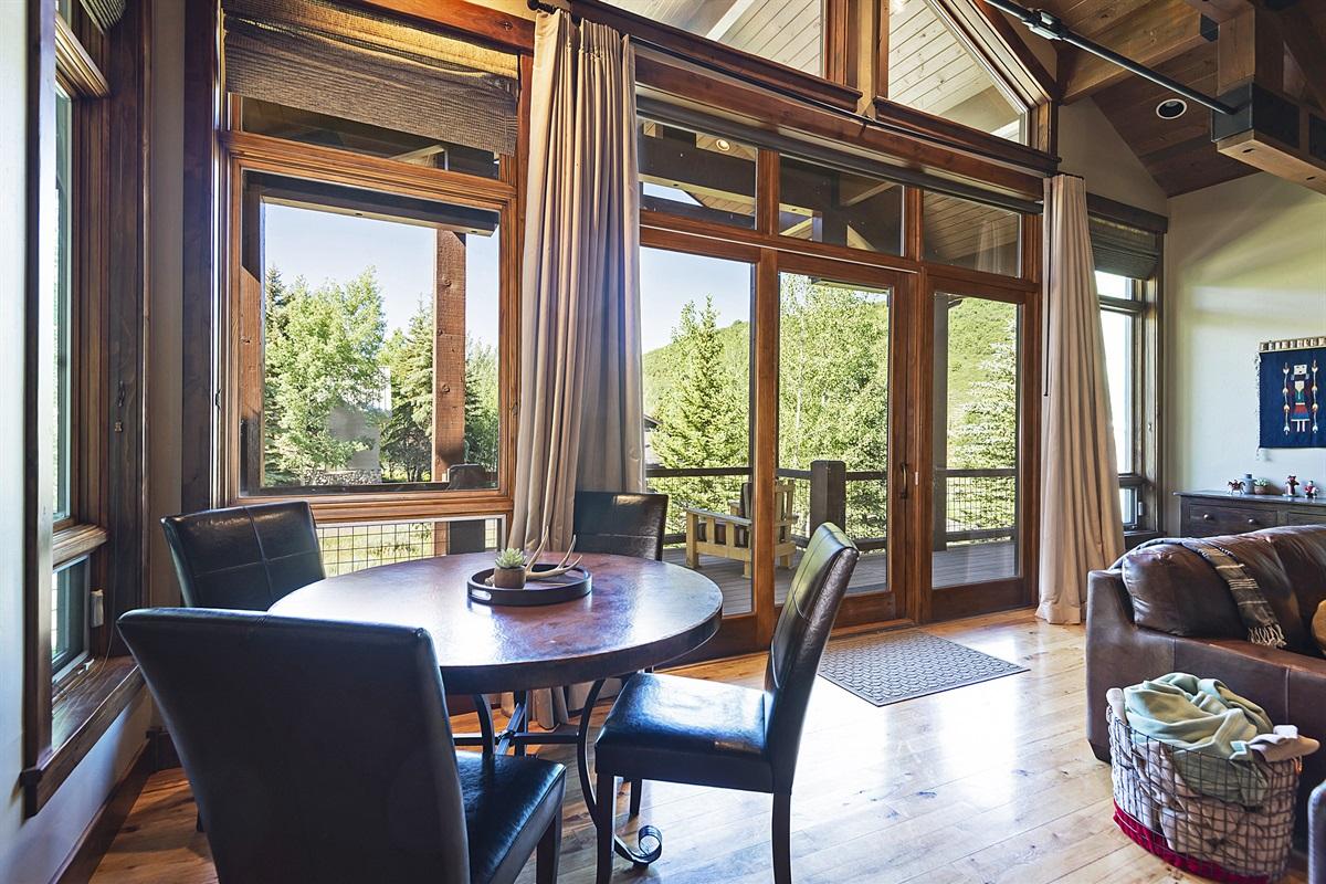 Main living room - Poker table