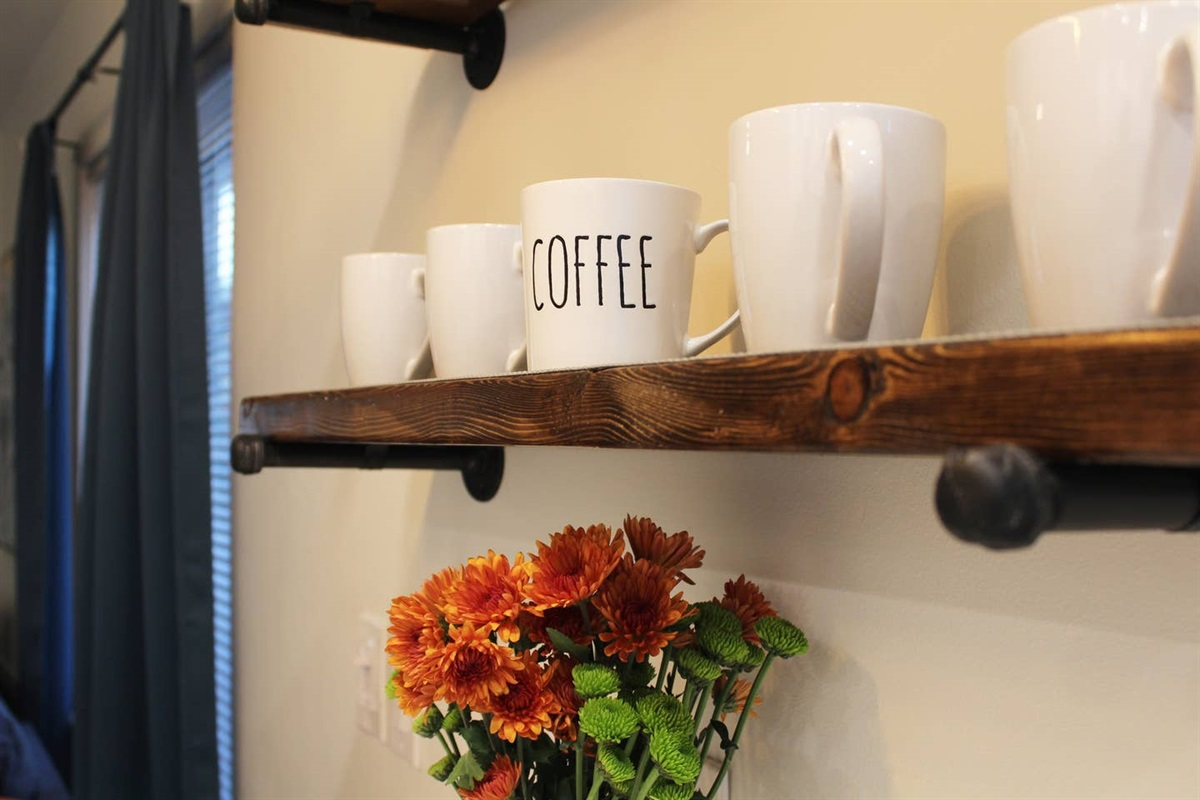 Fully stocked kitchen with coffee and assorted teas to help you caffeinate.