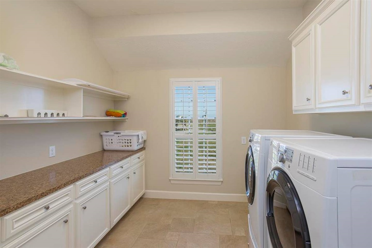 Large Laundry Room on Main Level