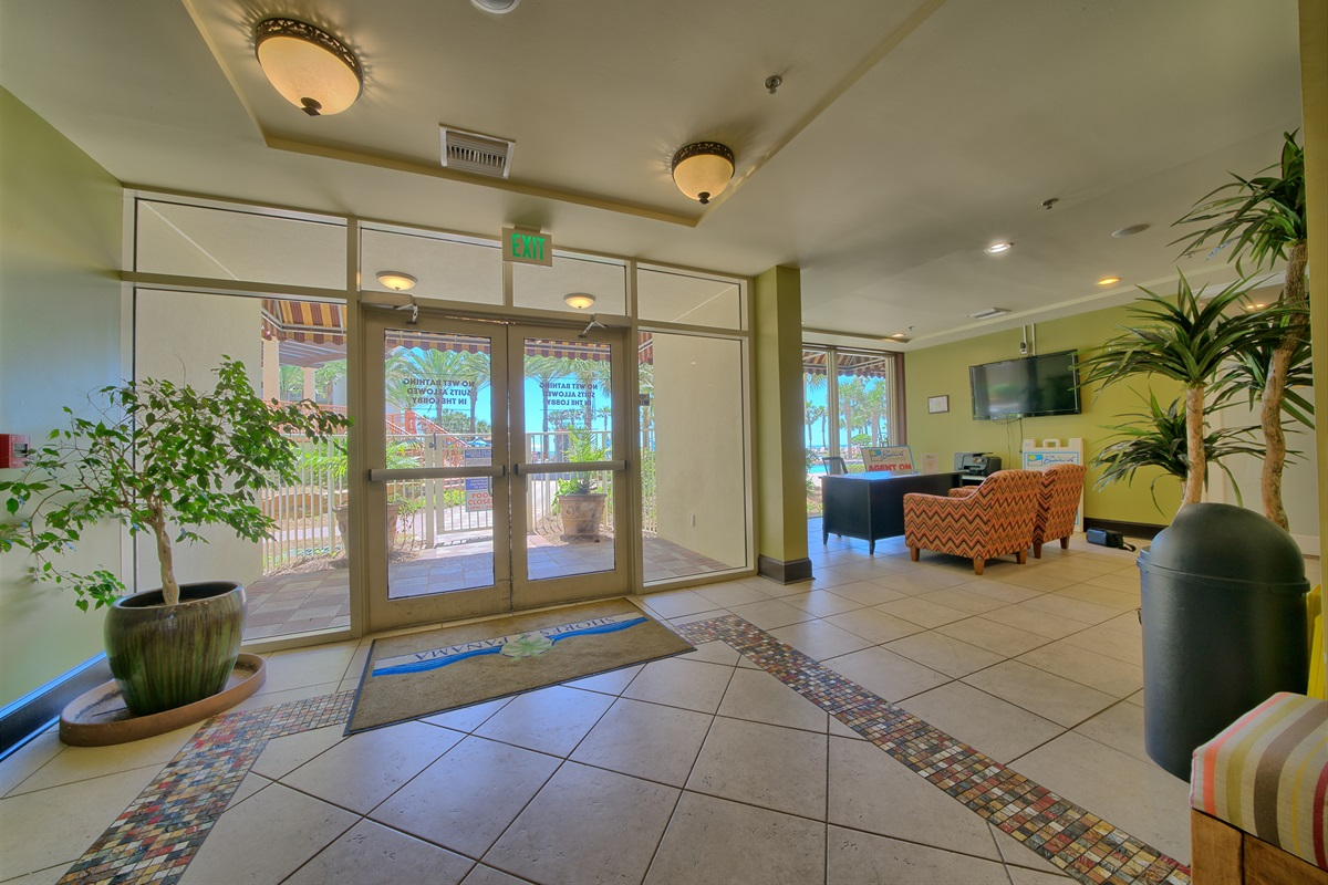 Entrance to pool from Lobby