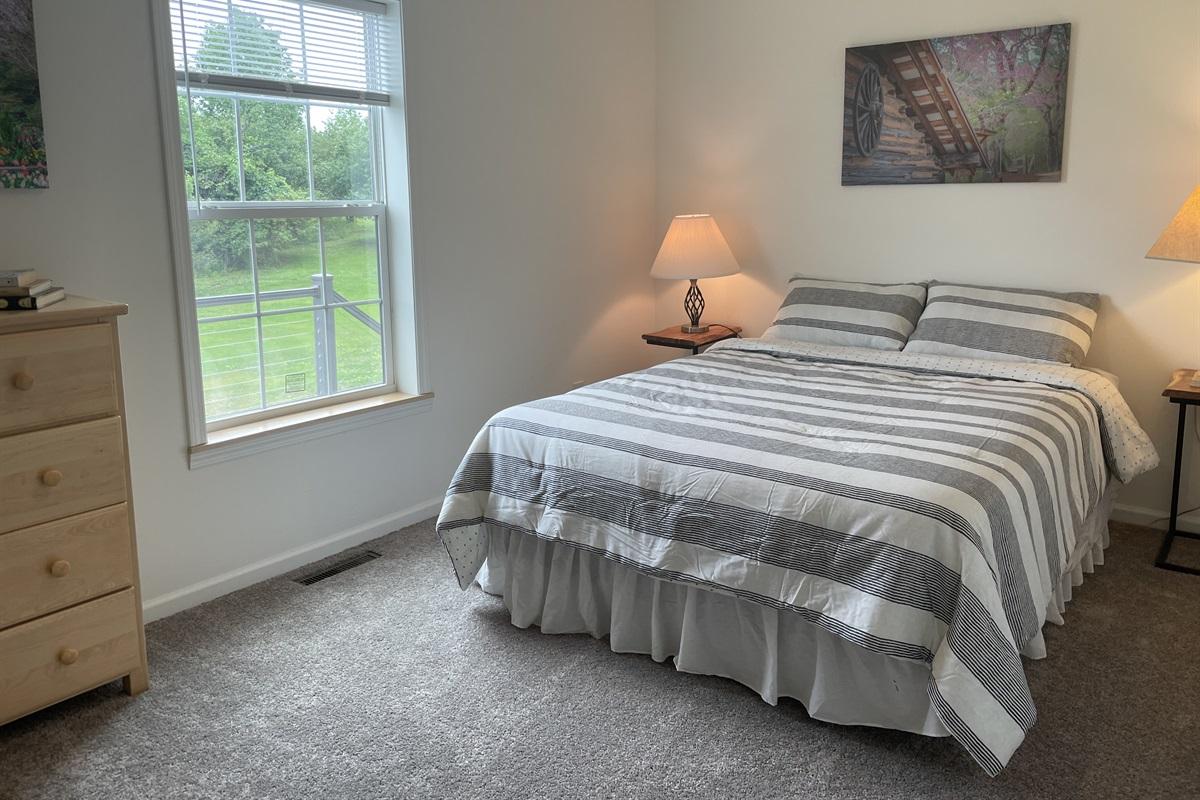 Main level Queen bedroom #2