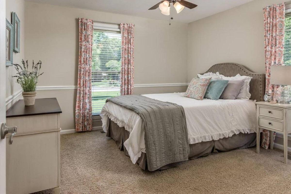 2nd Guestroom, Queen Bed