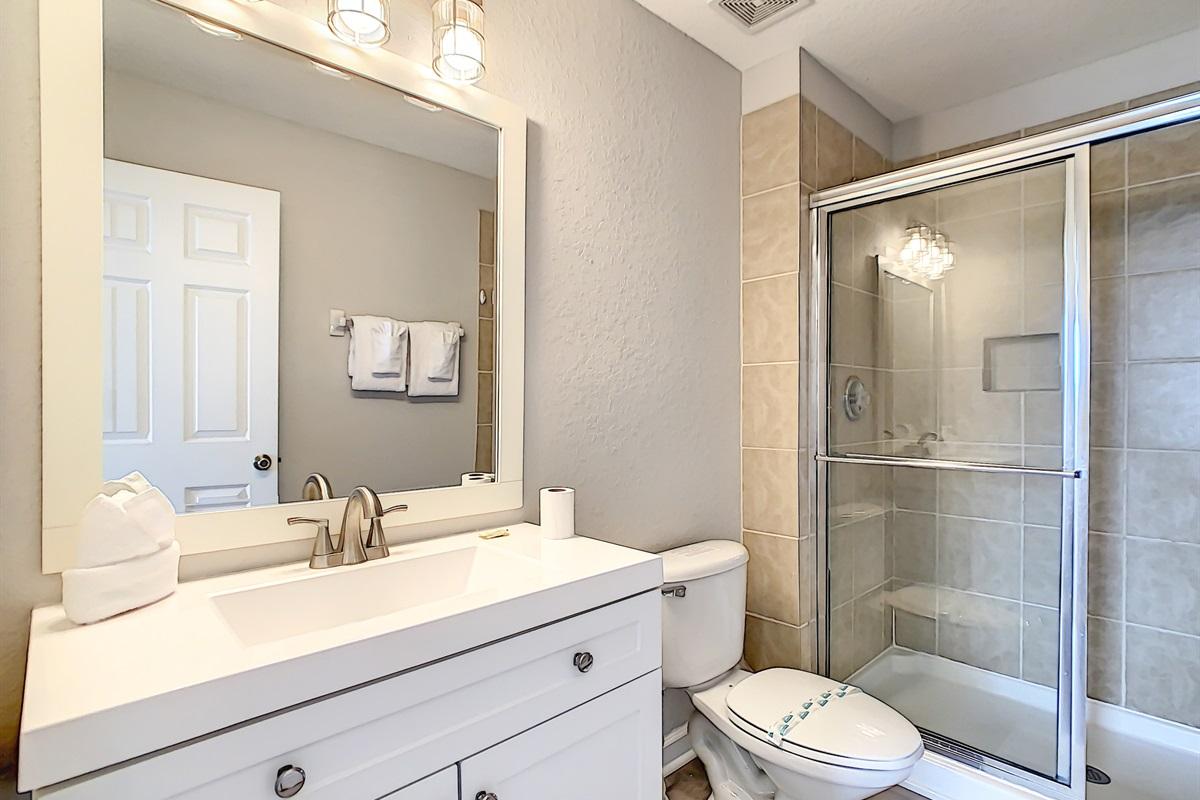 Master Suite #2 En Suite Bathroom