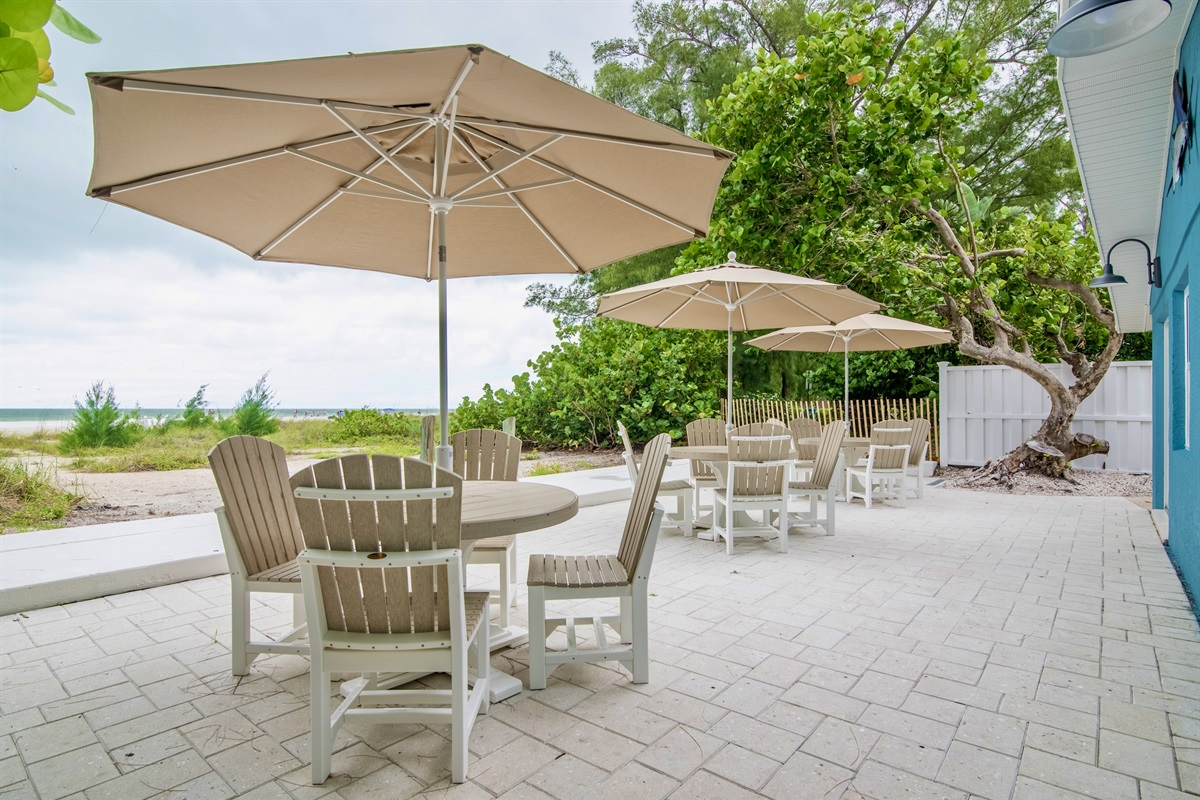 Community outdoor patio for alfresco dining.