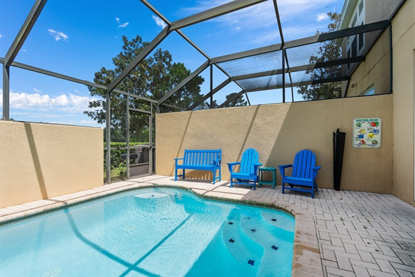 Private splash pool