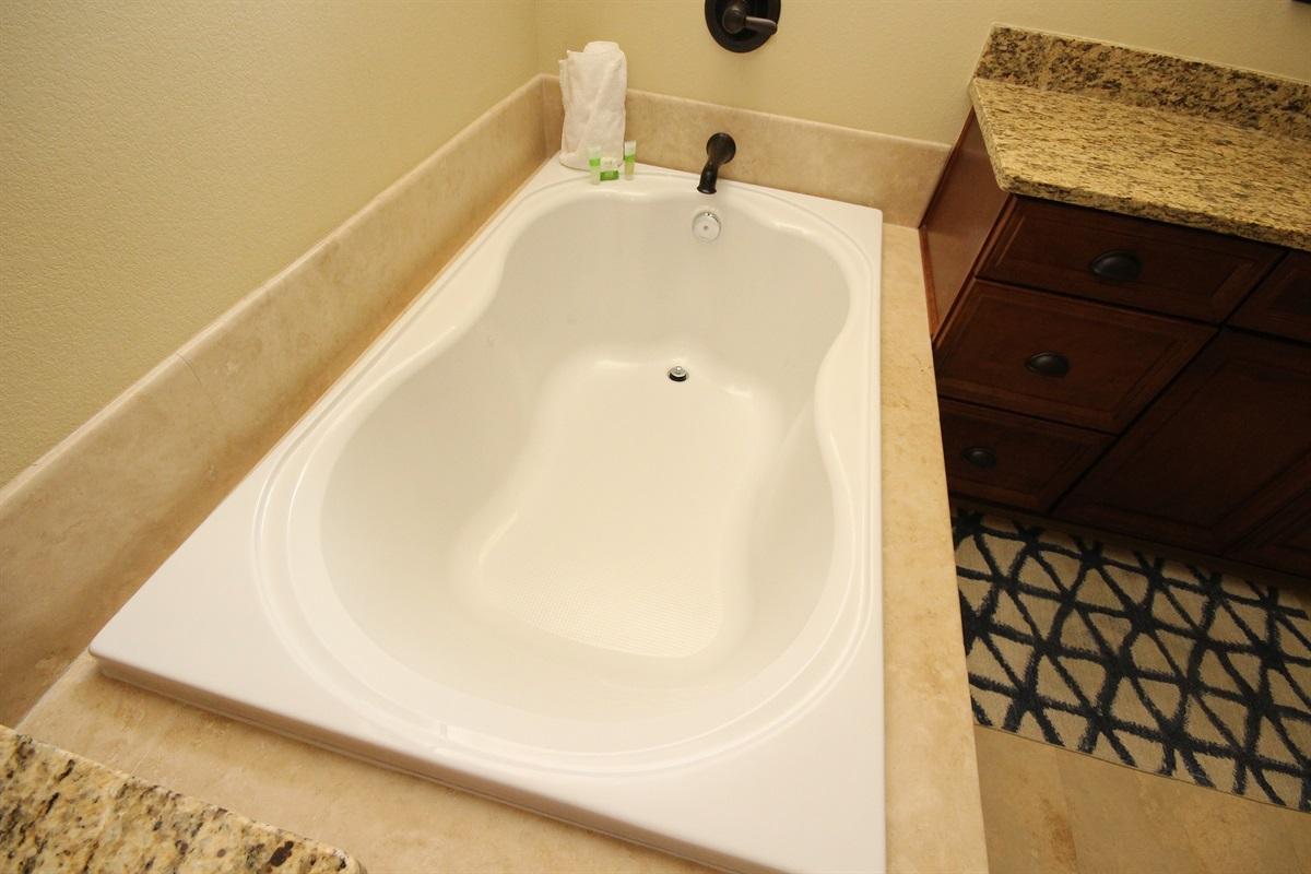 Master soaker tub