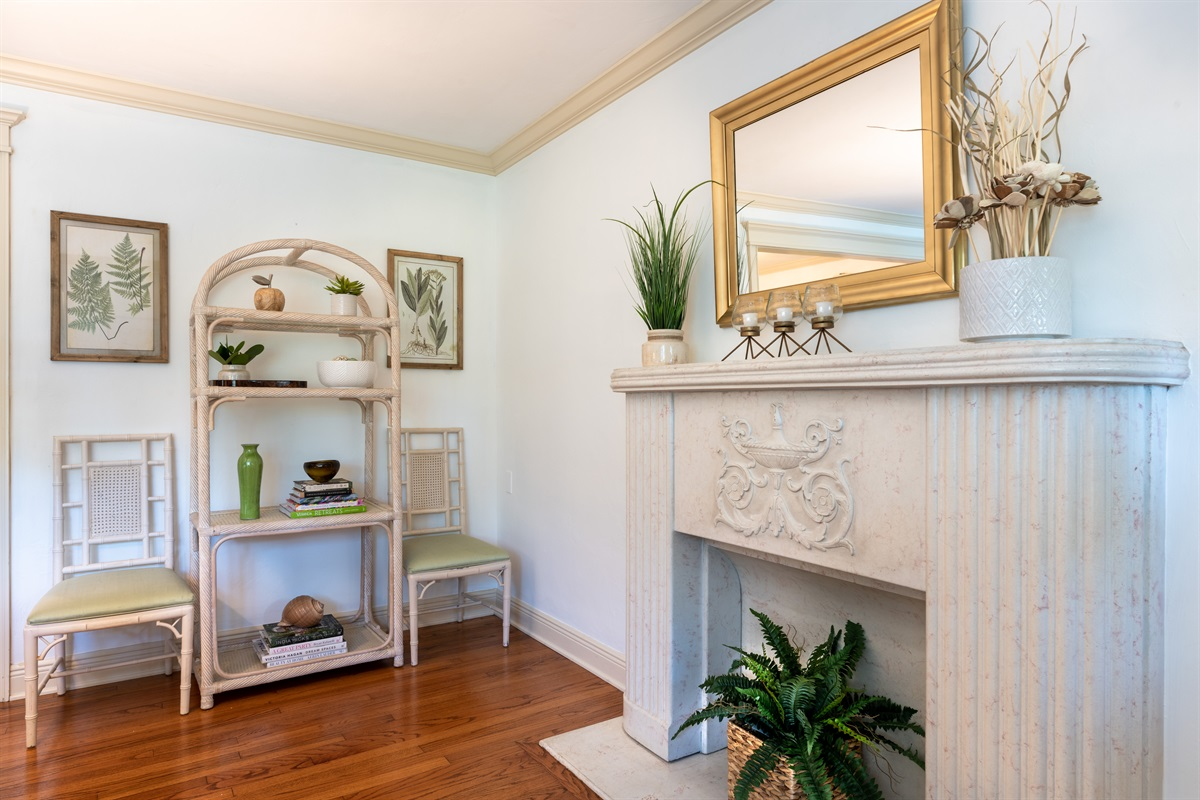 Feel instantly welcomed by our beautiful beach house villa. The home is decorated with soft whites, creams and hints of greens. 2 Beds, 2 Baths with a pull out Queen sleeper sofa. The large living room windows brings in natural light & warmth.