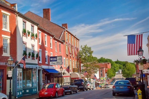Historic Downtown Bath is only a 25 min drive from the cottage and is a MUST visit.